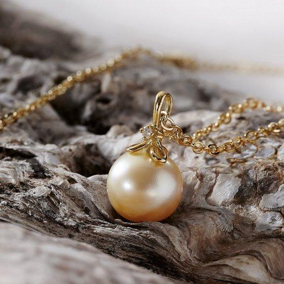 Gouden parel hanger met diamant